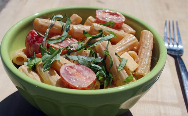 Smoked Gouda Pasta Salad with Tomatoes and Basil